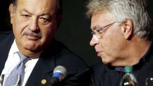 Carlos Silm y su empleado, Felipe Gonzále. Así títula esta foto El Espía en el Congreso