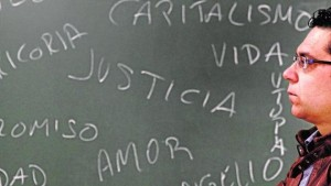 Palabras claves. El teólogo y filósofo Bernardo Pérez Andreo en la sede del Instituto Teológico de Murcia. Enrique Martínez Bueso