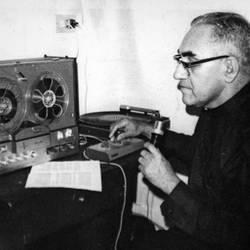 Monseñor Romero, profeta y mártir, dirigiéndose al pueblo -comprendido el ejército- salvadoreño