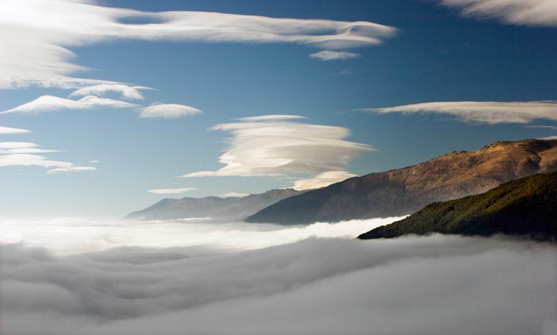 mar-y-nubes