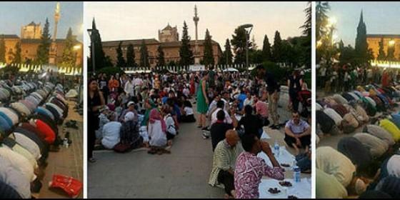 Ramadán ante la Virgen del Triunfo de Granada